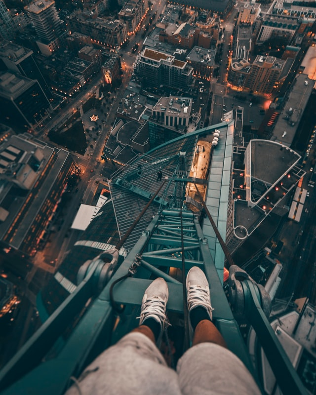 Successful sales people take risks